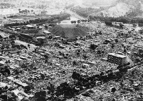 A kínai Saanhszi tartományban ma már csak az emlékét őrzik minden idők legpusztítóbb földrengésének: a Richter-skála szerint valószínűleg 8,3-as erősségű rengés 1556. január 23-án 830 ezer ember életét követelte.