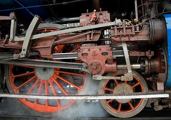 A gőzgépet a legtöbben Newcomen nevéhez kötik, pedig Héron 1700-1800 évvel korábban feltalált egy hasonló elven működő szerkezetet.