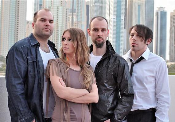 A Guano Apes 2009. óta működik ismét. Október 15-én lépnek fel a budapesti Club 202-ben.