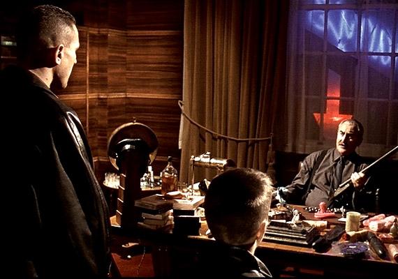 A Ravasz, az Agy és két füstölgő puskacsővel 1998-ban Guy Ritchie valószínűleg örökre beírta magát filmtörténelem nagykönyvébe.