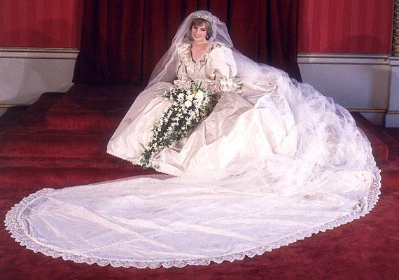 Bár a pontos árát nem lehet tudni, az biztos, hogy forintra átszámolva meghaladta a 4 milliárdot. Így egészen bizonyos, hogy az eddigi legdrágább esküvői ruhát Diana hercegnő viselte: selyem, csipke és 10 ezer gyöngy díszítette az Elizabeth Manuel által tervezett esküvői ruhát.