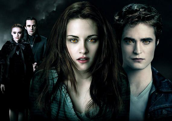 A Twlilight-saga Hajnalhasadás című negyedik részében Robert Pattinson újra Edward Cullen bőrébe bújik. A két részletben feldolgozott film november 17-én kerül a mozikba.