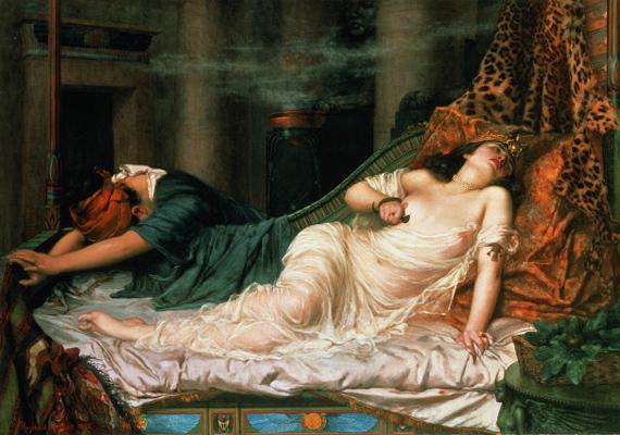 Kleopátra lábai előtt férfiak ezrei hevertek. Vérfertőző viszonyból született, egyiptomi szokás szerint apja saját nővérét vette feleségül. A csodaszép királynő szíve csak Marcus Antoniusért dobogott. Szépségpraktikáit azóta is nők ezrei alkalmazzák.