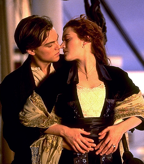 Titanic  Jack és Rose szerelmét millióan könnyezték meg 1997-ben. De nem csak a nézők, a szakma is imádta a Titanicot: összesen 11 Oscarral jutalmazták az alkotást - többek között a renedezést, a filmzenét, jelmeztervezést és a vizuális effektusokat díjazták.