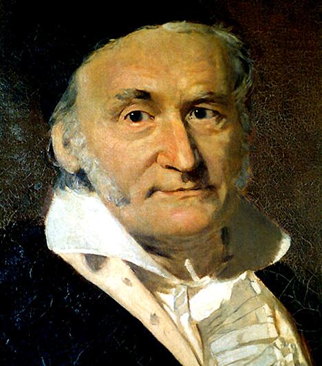 Carl Friedrich Gauss (1777-1855)  Német matematikus és természettudós kiváló tehetséggel megáldva, aki nagyban hozzájárult többek között a számelmélet, az analízis, a differenciálgeometria, az asztronómia és az optika fejlődéséhez. Érdeklődése a tudományok iránt korán megmutatkozott: kisgyermekkori koraérettségéről anekdoták keringtek. Még csak tinédzser volt, amikor első áttörő matematikai felfedezéseit elérte, és mindössze 21, amikor fő művét, a ma is a számelmélet alapművének számító Disquisitiones Arithmeticae-t befejezte.