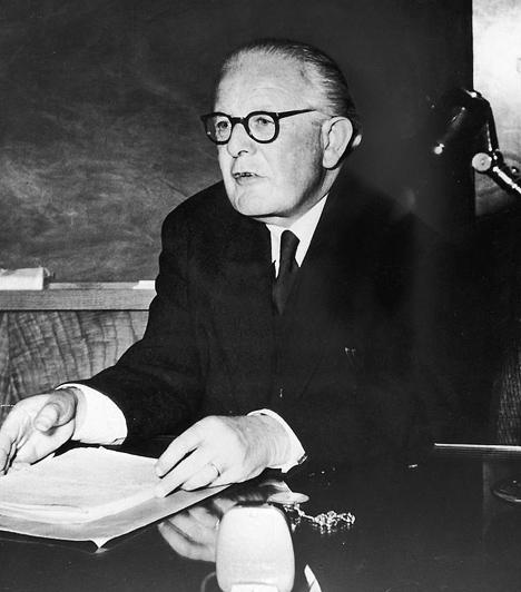 Jean Piaget (1896-1980)  A svájci pszichológus és teoretikus még csak 11 éves volt, amikor első tudományos értekezését publikálta az albínó verebekről. A neuchatel-i egyetemen szerzett doktori címet, majd Franciaországban dolgozott, ahol a gyermekek kognitív képességeinek fejlődését vizsgálta. 1921-től a svájci Rousseau Intézet igazgatójaként, 1929-től az International Bureau of Education igazgatójaként dolgozott. Munkássága jelentős hatással volt a pszichológia fejlődésére.