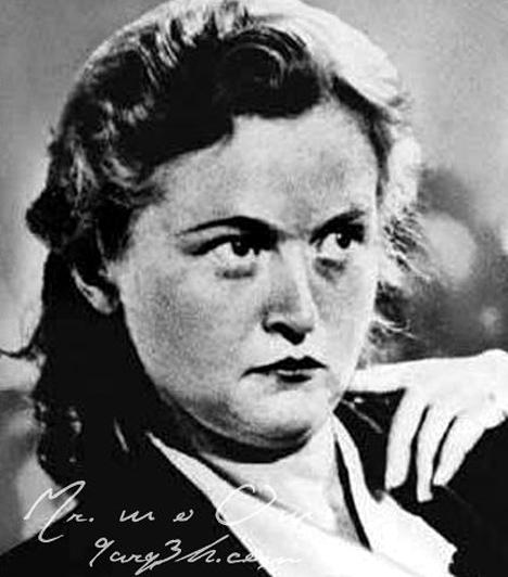 Ilse Koch  Az 1906-ban született Ilse Kochot a buchenwaldi boszorkány néven ismerte meg a világ. 1937 és 1941 között vezető parancsnoka volt több koncentrációs tábornak is, miközben súlyosan visszaélt azzal a hatalommal, melyet férjével együtt gyakoroltak. Több száz embert gyilkolt meg, szokása volt kutyákat uszítani rájuk, emellett fajtalankodásra kényszerítette a foglyokat. Legmegrázóbb tettei közé tartozik, hogy áldozataiból fali díszeket és egyéb használati tárgyakat készíttetett. A háború után életfogytiglani börtönre ítélték, ám sosem bánta meg bűneit. Végül saját maga vetett véget életének.