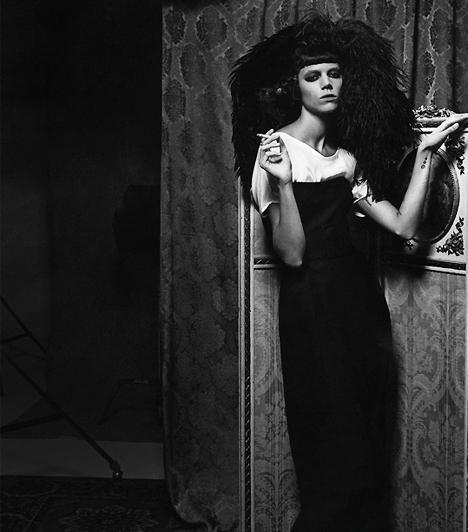Asta Nielsen (1881-1972)A dán Asta Nielsent a filmtörténet egyik úttörő sztárjaként tartják számon. Még a némafilmek korában német produkciókban nyújtott mélyen átélt játékával drámai teljesítményt. A dán színésznőt tartják a művészi igényű filmes színjátszás megteremtőjének.Kapcsolódó címke:Film »