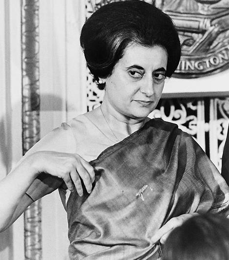 Indira Gandhi (1917-1984)Indiában 1966-ban az első miniszterelnök, Dzsaváharlál Nehru lánya, Indira Gandhi került a gazdasági problémákkal és a robbanásszerű népességnövekedéssel küszködő ország élére. 11 év múlva, 1977-ben leváltották ugyan, de 1980-ban ismét megválasztották. 1984-ben egy szikh merénylet áldozata lett.