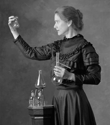 Marie Curie (1867-1934)A Curie-házaspár örökre bevéste magát a történelemkönyvekbe azáltal, hogy 1898-ban felfedeztek két új, radioaktív sugárzást kibocsátó elemet, a polóniumot és a rádiumot. Marie Curie-t minden idők legjelentékenyebb női tudósaként tartják számon.Kapcsolódó cikk:3 világhírű tudós pikáns hálószobatitkai »