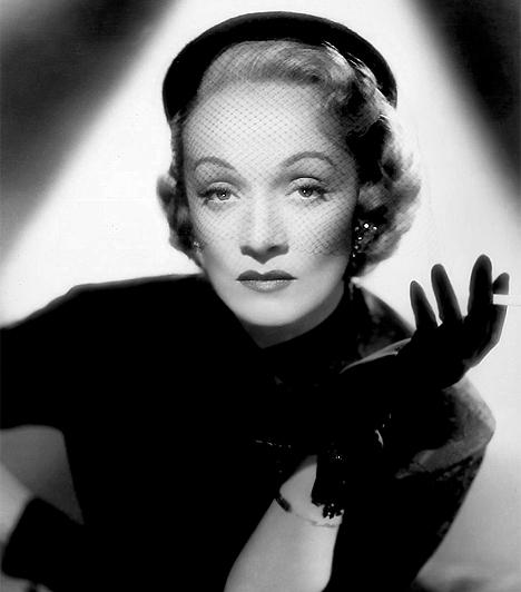 Marlene Dietrich (1901-1992)A mozi, majd később a televízió diadalmenetével egyre több színésznő vált divatikonná, és hatott a szélesebb tömegek öltözködésmódjára. Marlene Dietrich például rendszeresen mutatkozott férfiruhában a nyilvánosság előtt, amivel valóságos öltözködési forradalmat robbantott ki.
