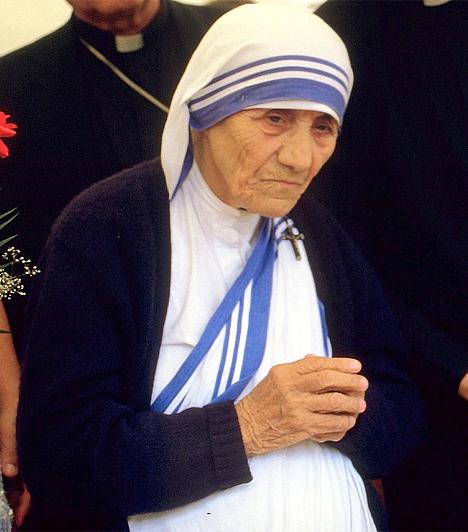 Teréz anya (1910-1997)Az albán származású Agnes Gonxha Bojaxhiu a 20. század legendás alakja. A szerzetesnő 1950-ben Kalkuttában megalapított a Szeretet Misszionáriusai nevű szerzetesrendet, árvaházakat, ingyenes beteggondozókat és szabadtéri iskolákat szervezett. A szegényekért és a betegekért végzett munkáját 1979-ben Nobel-békedíjjal tüntették ki.