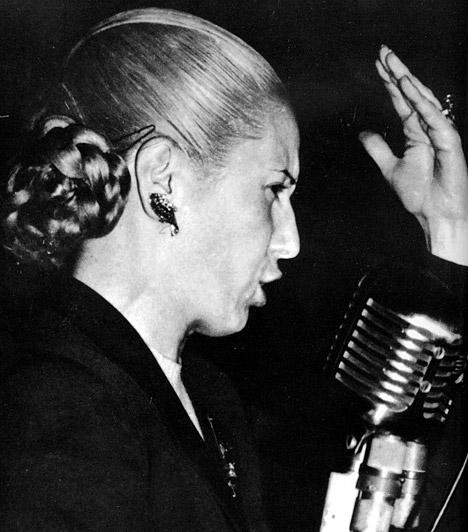 Eva Peron  Peron argentin elnök felesége és legfőbb politikai támogatója. Országa rajongott és a mai napig rajong érte. Eva volt az első női politikus Argentínában, népe csak a szívek királynőjeként emlegette, temetésére több százezren mentek el.