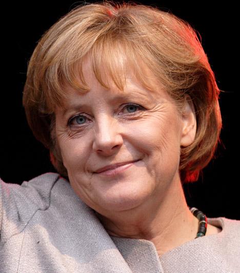 Angela Merkel  Angela Merkel 2005 óta német kancellár. Merkelnek természettudományos doktorija van, 1994 és 1998 között környezet-, természetvédelmi és a reaktorok biztonságáért felelős miniszter is volt. 1977 és 1982 között Ulrich Merkel felesége volt, a mai napig az ő nevét viseli - eredetileg Angela Kashnerként látta meg a napvilágot. 1998-ban Joachim Sauerrel, a Humboldt Egyetem professzorával kötött házasságot.