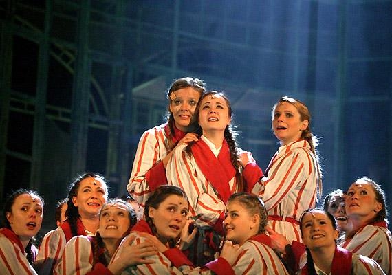 A musical új aspektusból közelít a csodálatos szívet melengető, síros-nevetős történethez.