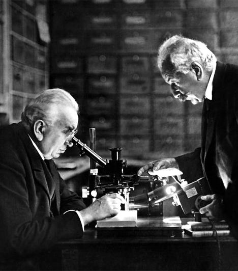Auguste (1862-1954) és Louis Lumiére (1864-1948)A Lumiére-fivéreket a mozi úttörőiként tartják számon. Ők mutatták be 1895-ben a kinematográfot, a világ első filmfelvevő gépét.