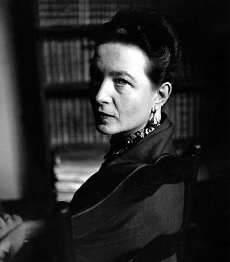 Simone de Beauvior (1908-1986)A francia írónő 1949-ben irodalmi áttörést ért el világsikert aratott, A második nem című művével, és haláláig a feminizmus ügyének elkötelezett híve maradt. Az ismert író-filozófus, Jean-Paul Sartre élettársa először állt ki nyilvánosan az abortusz mellett, amivel nagy port kavart.