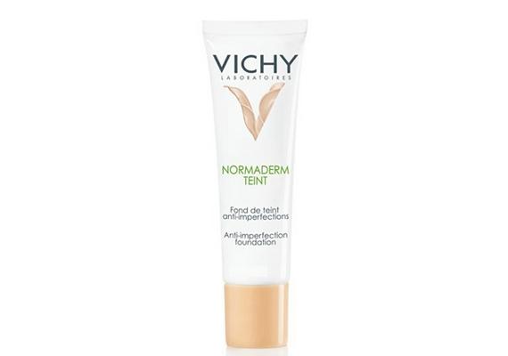 A Vichy Normaderm Teint alapozót problémás bőrre fejlesztették ki, ami alatt jelen esetben a pattanásos, zsíros bőr értendő.