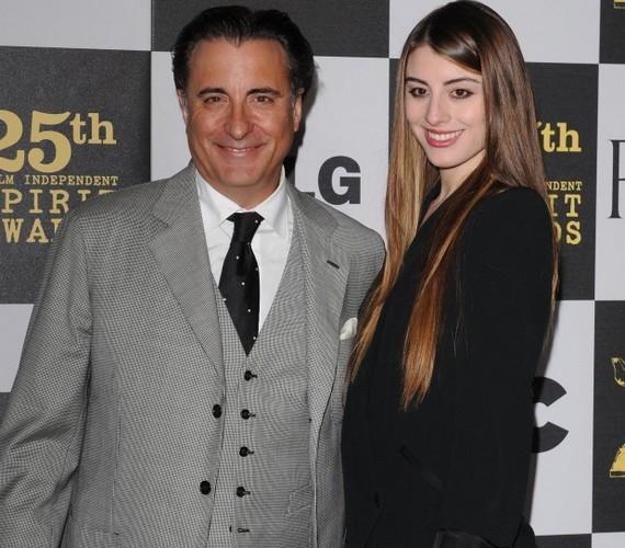 Andy Garcia két lány édesapja: Alessandra nővére, a 28 éves Daniella is modell.