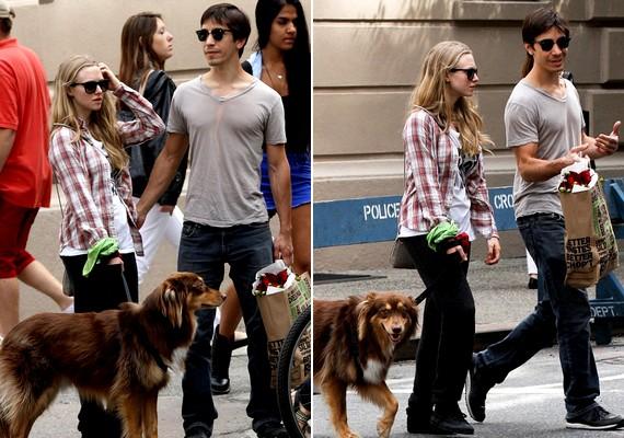 A pár nagy állatbarát: egyik kedvenc programjuk a kutyasétáltatás.