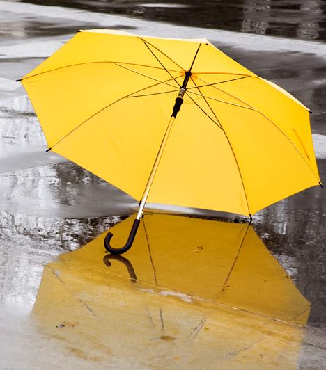 IdőjárásjelentésSokak szerint az egyik legidegesítőbb poszt, amikor valaki az időjárásról ad hírt - ez főleg akkor bosszantó, ha egyszerre ötven barátod teszi. Hidd el, ha az ismerőseid tudni akarják, esik-e az eső, majd kinéznek az ablakon. Ha egyszerűen nem tudod megállni, hogy még erről is azonnal posztolj, könnyen azt veheted észre, hogy megcsappant az ismerőseid száma.