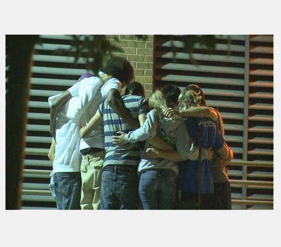 12 embert ölt meg, közel 50-et megsebesített.