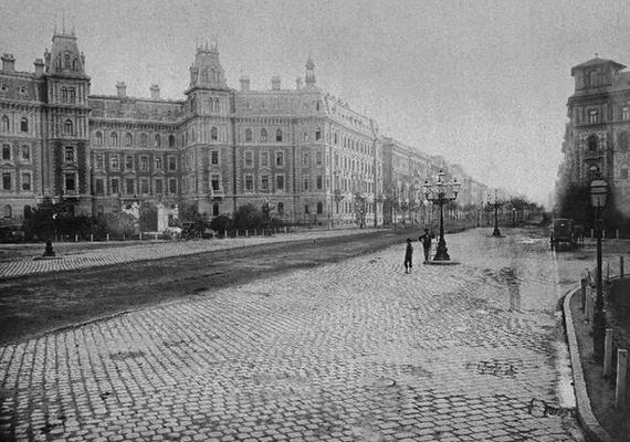 Ilyen volt a Vasutasházként is ismert épület 1890-ben.
