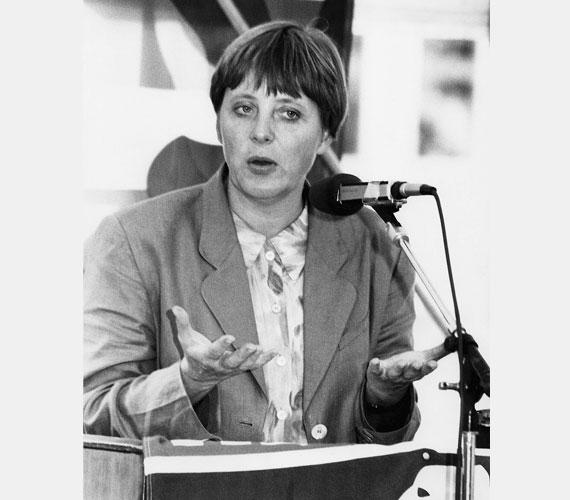 1994 ősze - Merkel még nő- és ifjúságügyi miniszter.