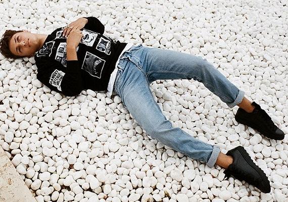 Ilyen most Anwar Hadid: a róla készült képek a Nylon magazin októberi számában jelennek majd meg.