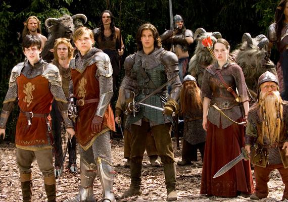 Narnia krónikái, 2008: Narnia krónikáinak trilógiája egy olyan mesevilágba kalauzol, amit nem lehet egykönnyen elfelejteni.Mi a második részt, vagyis a Caspian herceget ajánljuk a figyelmedbe, ha nemcsak a cuki beszélő állatokat, hanem a jóképű királyfikat is kedveled.
