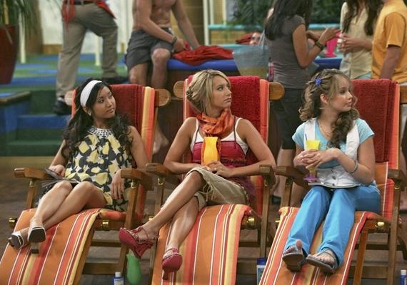 Ashley-t a legtöbben a Disney csatorna Zac és Cody című sorozatából ismerték meg...