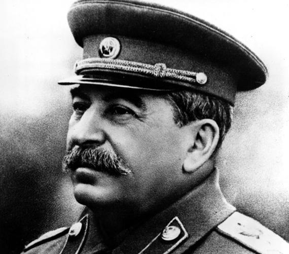 A 20. század egyik leghírhedtebb diktátora, Sztálin jellegzetes orosz bajuszt viselt.