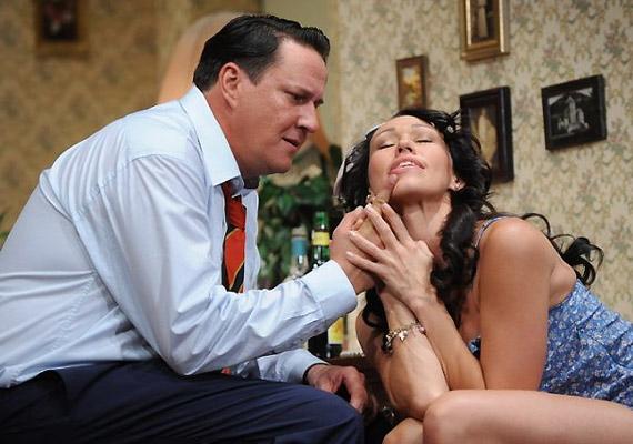 Barney következő útja egy hóbortos lányhoz, Bobbihoz vezet, de vele sem alakulnak úgy a dolgok, mint ahogy elképzelte.