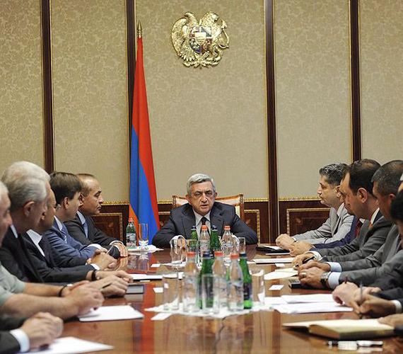 Örményország beint.