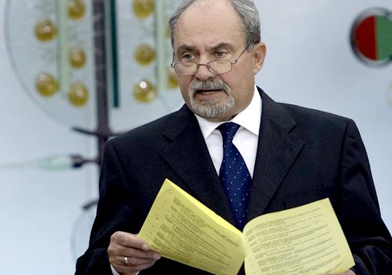 Ipkovics György, az MSZP másik tárgyalója. Ipkovics az MSZP egyik alapítója, jelenleg a mentelmi, összeférhetetlenségi és mandátumvizsgáló bizottság tagja. Bajnai Gordon nem vett részt az egyeztetésen.