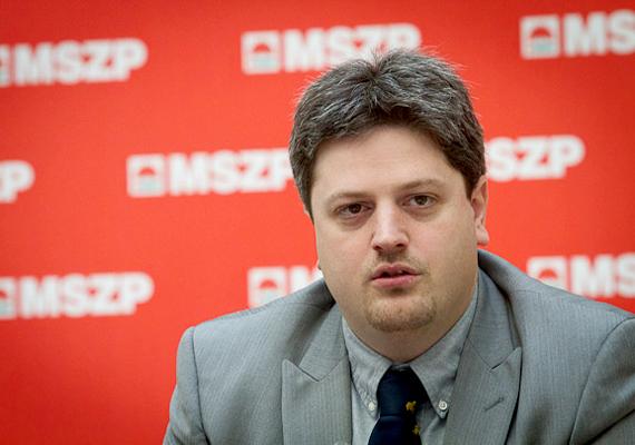 Az MSZP-t pedig fia, Bárándy Gergely, aki jelenleg is képviselő az országgyűlésben.