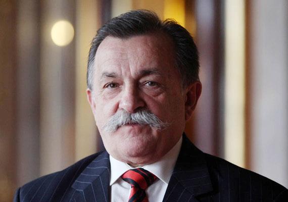 A jobbikos Varga Géza elsősorban vidékfejlesztéssel foglalkozik, ehhez jól jön a magyaros bajusz.