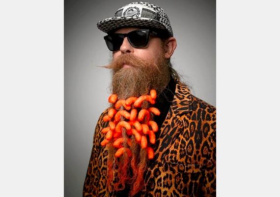 A kiegészítők használata is kifizetődött, az ombre szakállas férfi az ötödik helyen végzett.