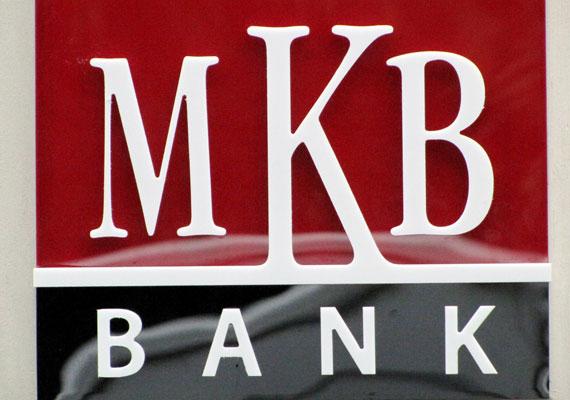 Az MKB bank annak ellenére, hogy már az állam tulajdona, meglehetősen szűkszavúan nyilatkozott, csak annyit mondott, hogy betartják a törvényben előírt határidőket. Hasonlóan tájékoztatott a CIB is.