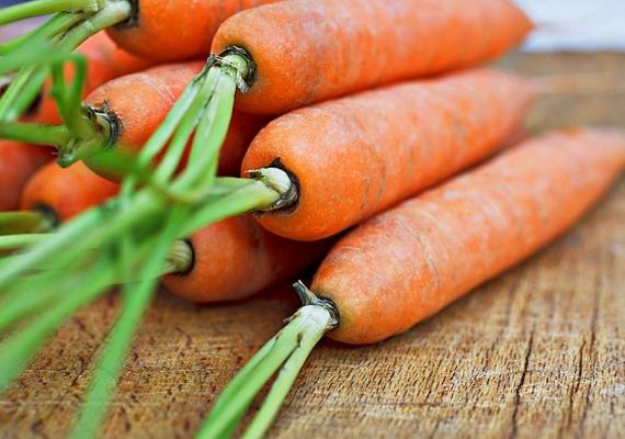 Szintén erős színező hatása van a sárgarépának, ugyanúgy, ahogyan a többi béta-karotin-tartalmú zöldségnek és gyümölcsnek.