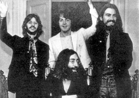 A Beatles utolsó hivatalos fotózására 1969. augusztus 22-én került sor - napra pontosan hét évvel az első közös kép készítése után. Ezt a fényképet akkor lőtték, amikor végeztek a munkálatokkal, és ezután már sosem álltak így össze egy felvétel erejéig sem.
