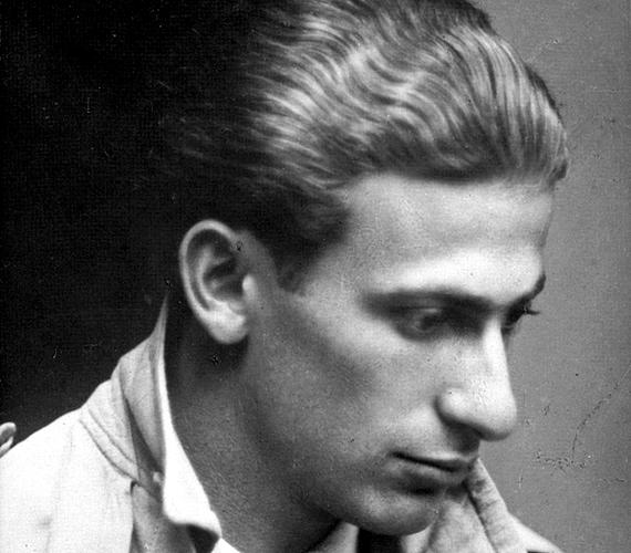 Ha Radnóti Miklósról van szó, a legtöbbeknek a költő kiváló munkássága és hányatott sorsa jut először eszébe. Kevesebben tudják viszont, hogy Radnóti csalta a feleségét, mégpedig annak egyik barátnőjével, a festő Beck Judittal.
