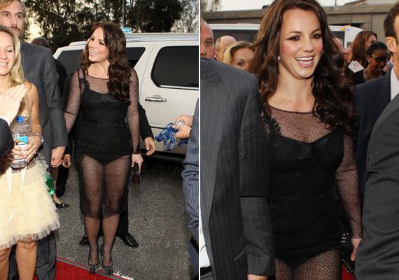 A csipkeszerelést valamiért Britney Spears is jó ötletnek tartotta.
