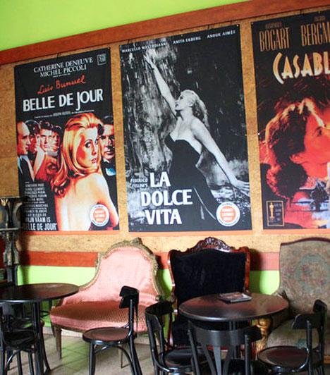 Tabán Mozi                         A Tabánban elsõsorban válogatott mûvészfilmeket, színvonalas rendezõi sorozatokat, tematikus összeállításokat láthatsz. Ez az egyetlen fimszínház a fővárosban, ahol a nézõtér mellett külön klubhelyiség is rendelkezésre áll a nézõk, klubok számára egy-egy film utáni beszélgetéshez, elõadáshoz vagy kisebb filmvetítéshez.