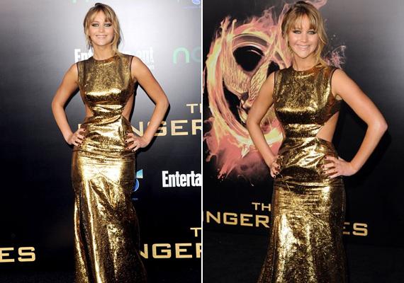 Az Éhezők viadala amerikai premierjén nem a film, hanem a színésznő aranyszínű ruhája állt a középpontban. A sokat mutató, szűk darab kiemelte a színésznő formás combjait és fenekét, az oldalsó kivágás pedig vékonyabbnak mutatta a derekát.