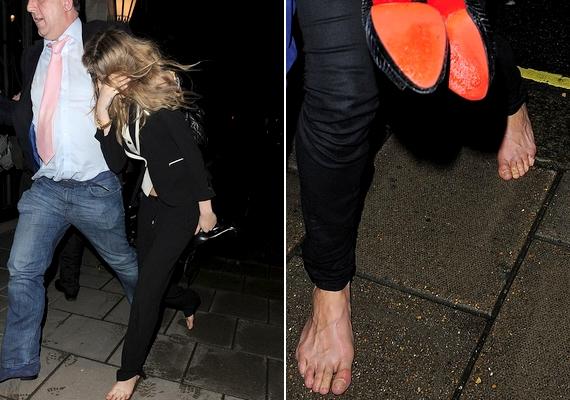 Mindketten megszabadultak a kényelmetlen magassarkútól, és a lesifotósoknak megakadt a szeme Michelle ápolatlan lábfején.
