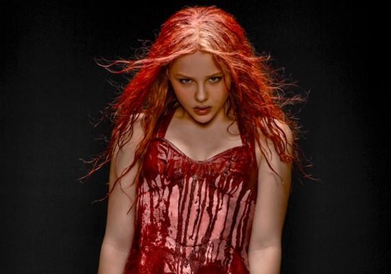 A 2013-as remake elég véresre sikeredett: talán ez sem tesz jót Chloe alaphangulatának.