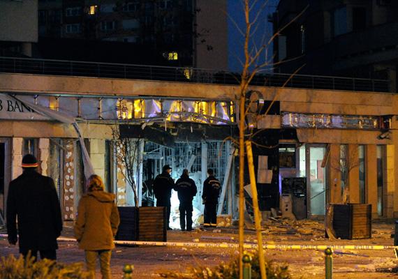 Budapest XIII. kerületében, a Béke tér közelében hatalmas robbanás történt negyed öt után pár perccel.