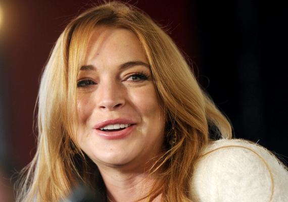 """Amikor Lindsay Lohan regisztrált a Twitterre, így üdvözölte a rajongóit: """"Hello, Facebook. Igen, itt tényleg Lindsay. Üdvözlet a Facebook-oldalamon!"""""""
