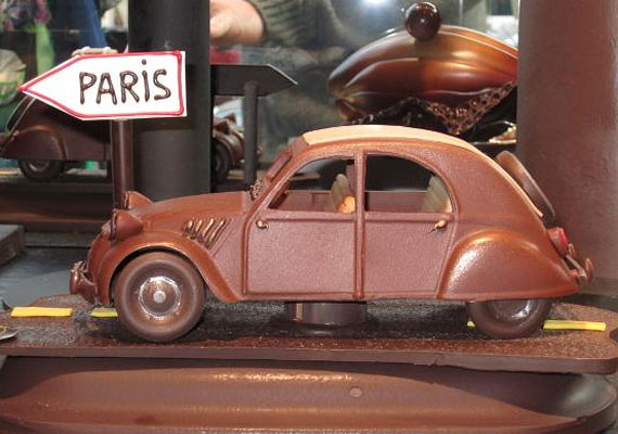 Irány Párizs!